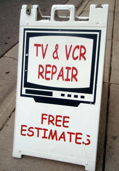 Comic Sans TV & VCR Repair